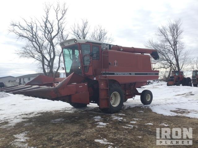 1981 International Harvester 1420 Combine, Combine