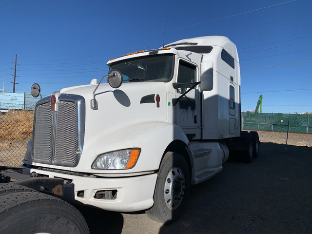 2009 (unverified) Kenworth T660 6x4 T/A Sleeper Truck Tractor