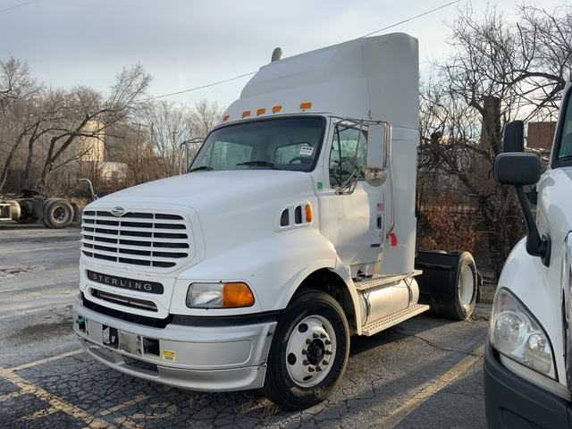 2002 Sterling A9500 S/A Day Cab Truck Tractor