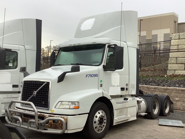 2015 Volvo VNM 6x4 T/A Day Cab Truck Tractor