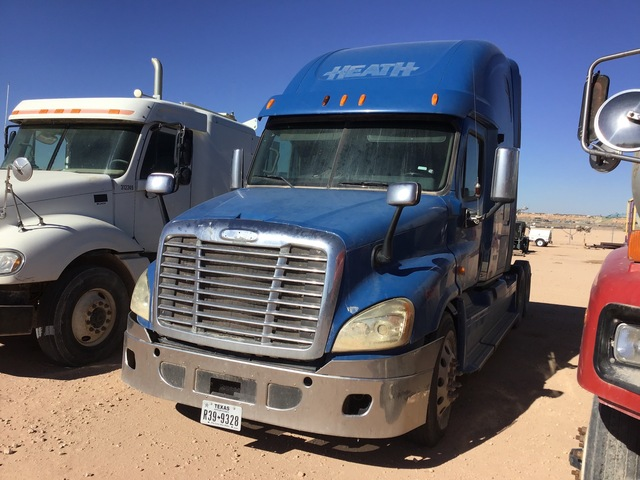 2011 Freightliner Cascadia 125 6x4 T/A Sleeper Truck Tractor