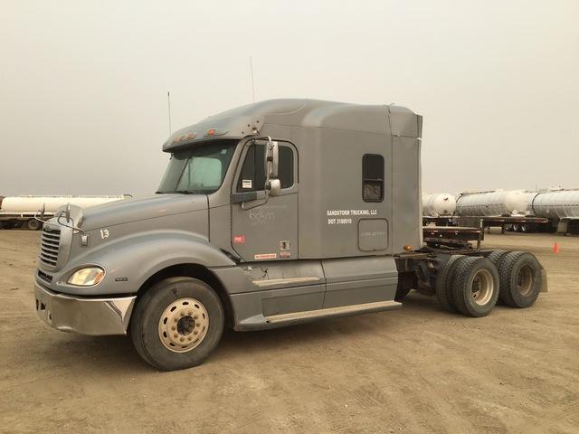 2005 Freightliner Columbia 120 T/A Sleeper Truck Tractor