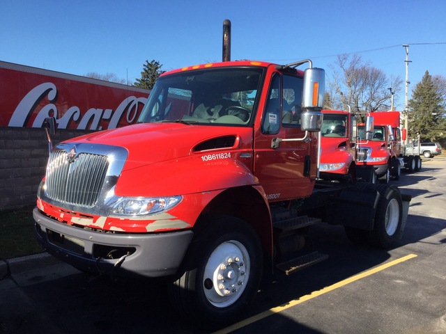 2010 International 4400 4x2 S/A Day Cab Truck Tractor