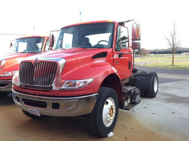 2007 International 4400 4x2 S/A Day Cab Truck Tractor