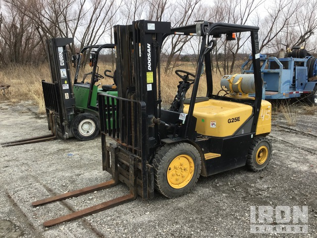 Doosan 625E-3 Warehouse Forklift, Forklift