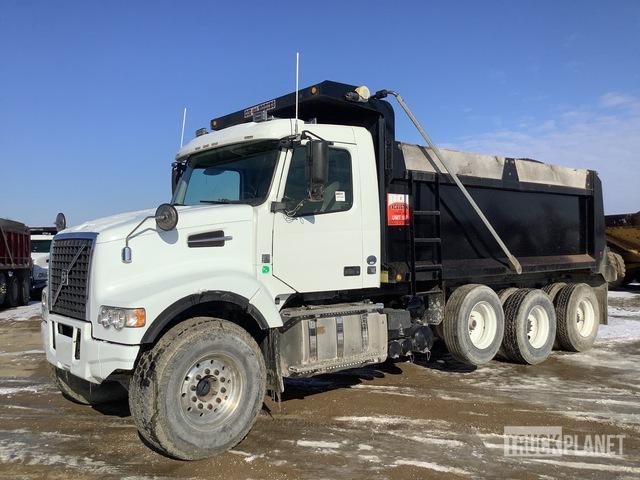 2015 Volvo VHD 6x4 Tri/A Dump Truck, Dump Truck (Tri/A)