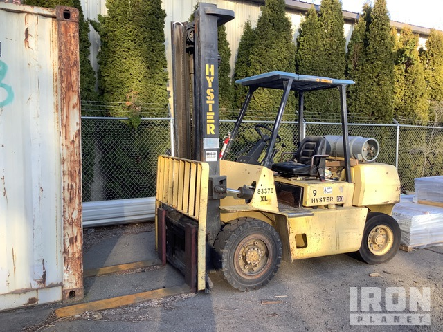 Hyster H80XL 8100 lb Pneumatic Tire Forklift, Parts/Stationary Construction-Other