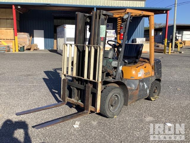 TCM FG25N5T 4800 lb Pneumatic Tire Forklift, Forklift