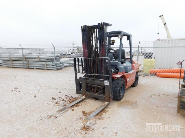 Toyota 7FGU35 Pneumatic Tire Forklift, Forklift