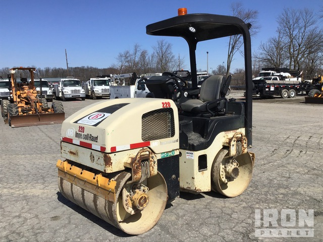 2005 Ingersoll-Rand DD-34HF Vibratory Double Drum Roller, Roller