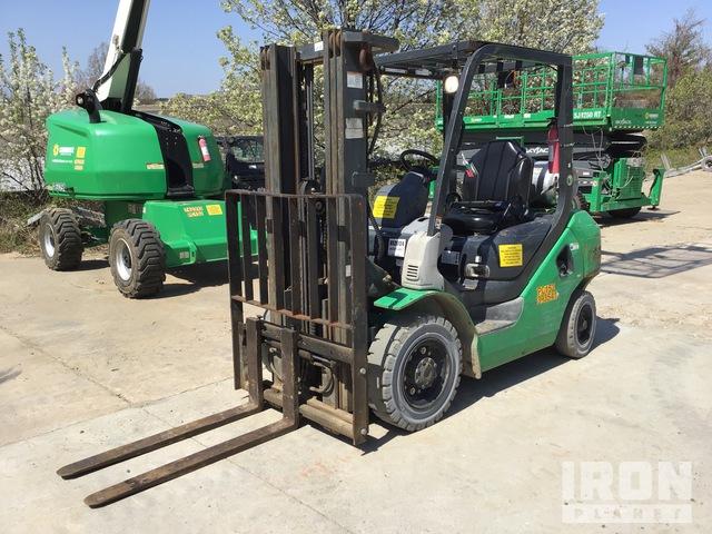 2012 (unverified) Komatsu FG25T-16 4650 lb Pneumatic Tire Forklift, Forklift