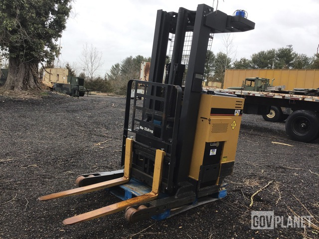 Cat NRR30 Electric Forklift, Electric Forklift