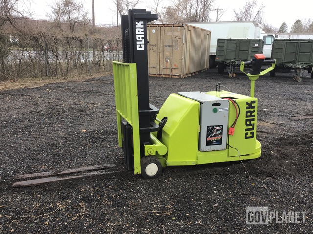 Clark ST30B Electric Forklift, Electric Forklift