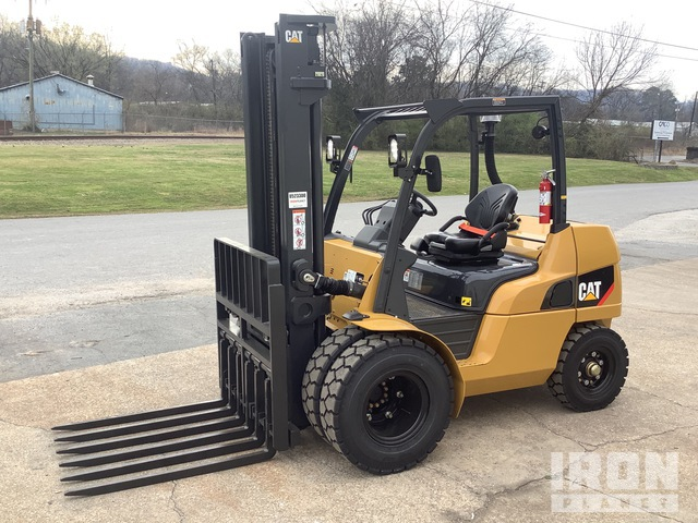 2020 Cat DP40N1 6550 lb Pneumatic Tire Forklift, Forklift
