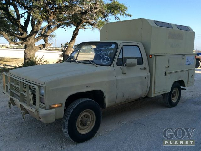 1986 Chevrolet D30 4x4 Utility Truck | Expedition Portal