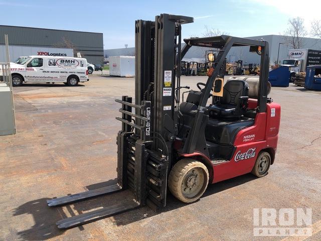2013 (unverified) Nissan CF70 5370 lb Cushion Tire Forklift, Forklift