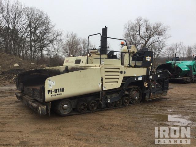 Blaw-Knox PF-6110 Track Asphalt Paver, Asphalt Paver