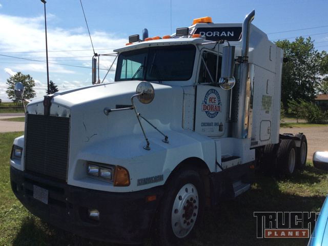1987 Kenworth T600 T/A Conventional w/ Sleeper in Morton ... on