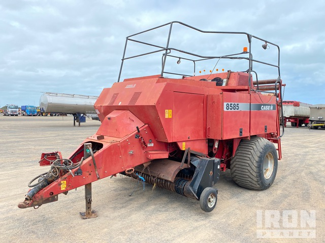 1999 Case IH 8585 Big Square Baler, Baler
