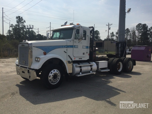 2006 Freightliner Classic 120 6x4 T/A Winch Truck, Winch Tractor