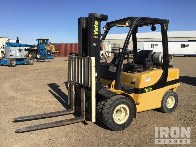 Yale GLP060VXEGSE087 Pneumatic Tire Forklift, Forklift