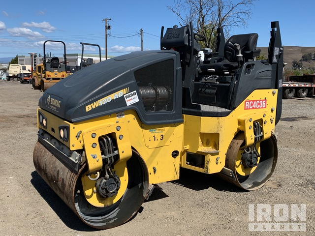 2017 Bomag BW120AD-5 Vibratory Double Drum Roller, Roller