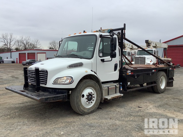 2018 Freightliner M2 106 S/A Winch Truck, Winch Tractor