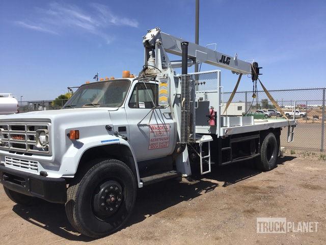 JLG 828BT 16000 lb Straight Boom on 1990 GMC C7000 4x2 S/A Straight Boom Truck, Boom Truck