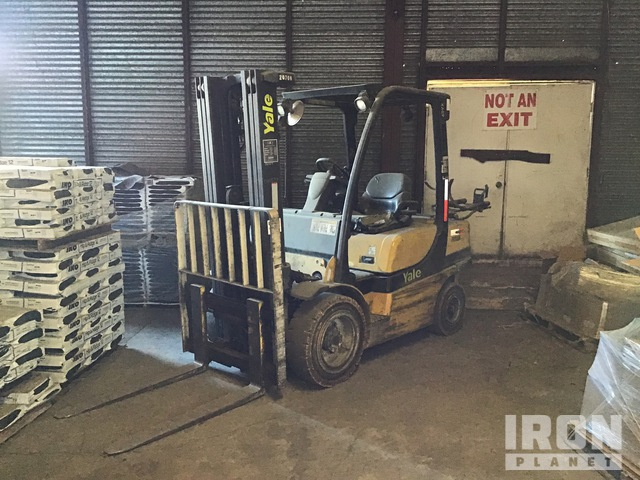 Yale GLP060VXEUSE087 5600 lb Pneumatic Tire Forklift, Parts/Stationary Construction-Other