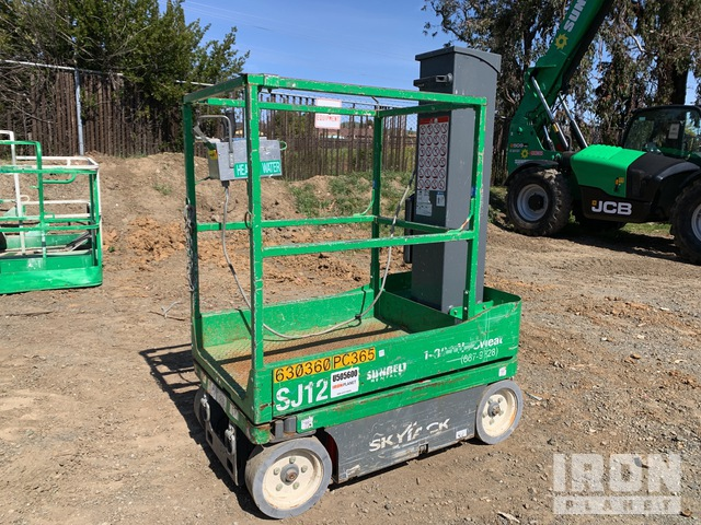 2014 (unverified) Skyjack SJ12 Vertical Mast Lift, Boom Lift
