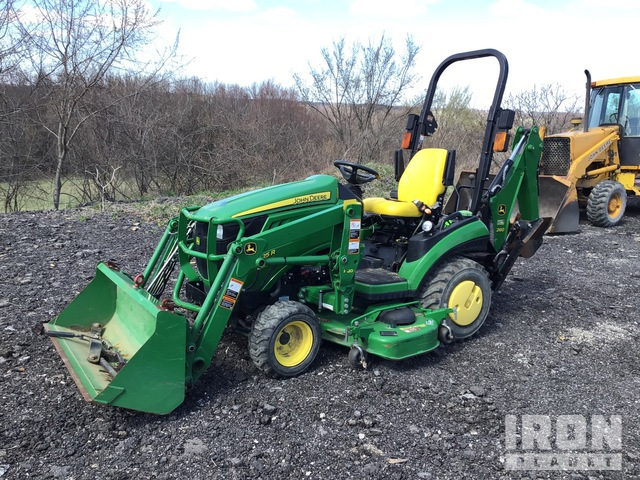 2014 (unverified) John Deere 1025R 4WD Utility Tractor, Utility Tractor