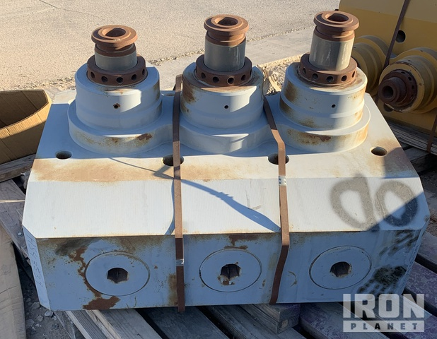 TWS2000 Triplex 4.5 In. Loaded Fluid End, Drilling Equipment - Other