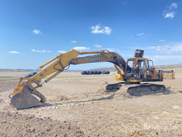 John Deere 200CLC Track Excavator, Hydraulic Excavator