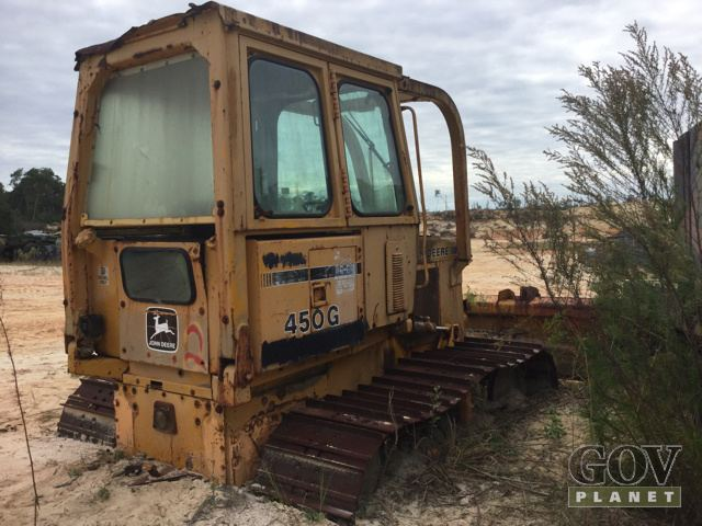 Surplus John Deere 450G Crawler Tractor in Altoona, Florida