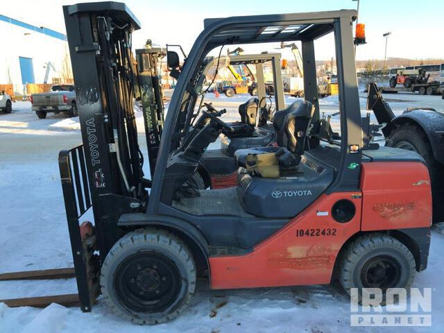 2015 (unverified) Toyota 8FGU30 Pneumatic Tire Forklift, Forklift
