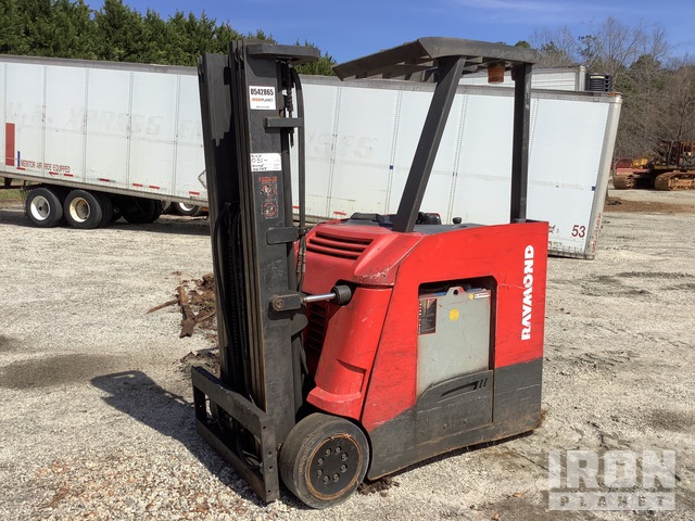 Raymond 425-C40TT 4000 lb Electric Forklift, Electric Forklift