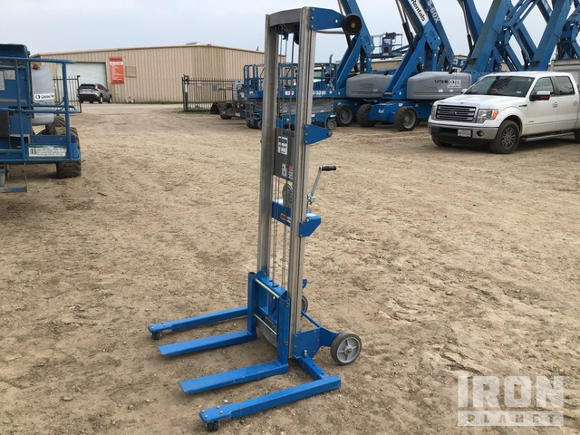 2020 (unverified) Genie GL-10 Material Hoist, Material Lift
