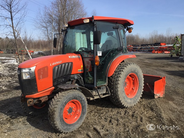 Kubota L6060D 4WD Tractor, MFWD Tractor