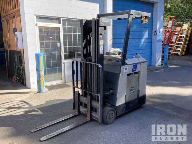 Crown RC3020-30 2750 lb Series Type E Electric Forklift, Electric Forklift
