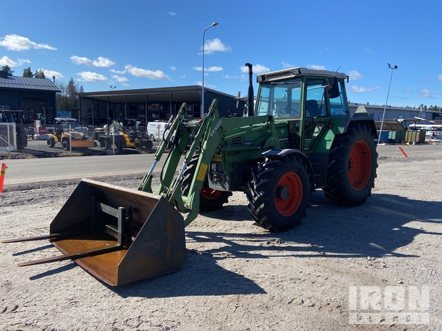 Fendt 310 LSA 4WD Tractor, MFWD Tractor