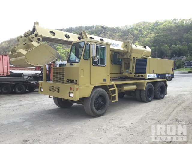 Gradall XL4100 Highway Wheeled Excavator, Mobile Excavator