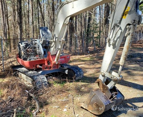2017 Takeuchi TB240R Mini Excavator, Mini Excavator (1 - 4.9 Tons)