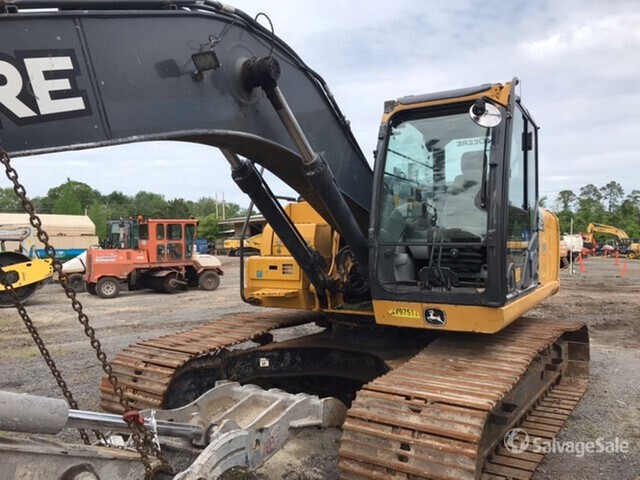 2018 John Deere 210G LC Track Excavator, Hydraulic Excavator
