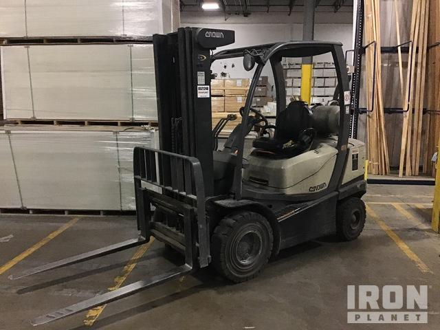 2011 (unverified) Crown C51050-40 4775 lb Pneumatic Tire Forklift, Forklift