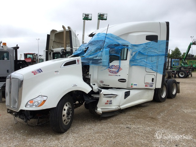 2020 Kenworth T680 6x4 T/A Sleeper Truck Tractor, Truck Tractor (T/A)