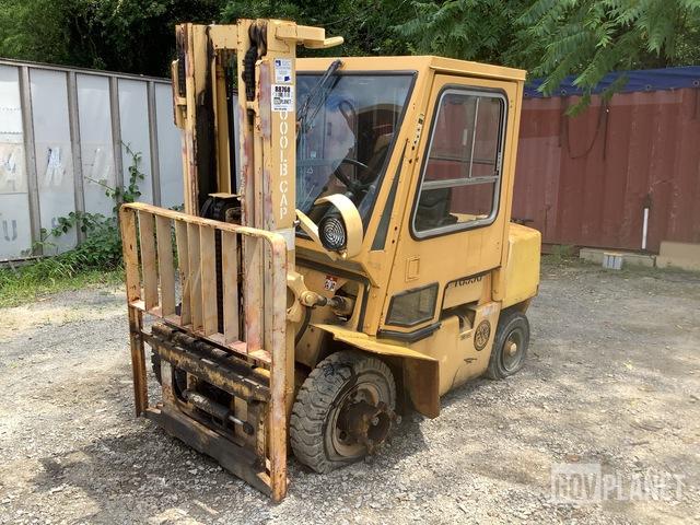 Hyster H60XL-MIL Pneumatic Tire Forklift, Forklift