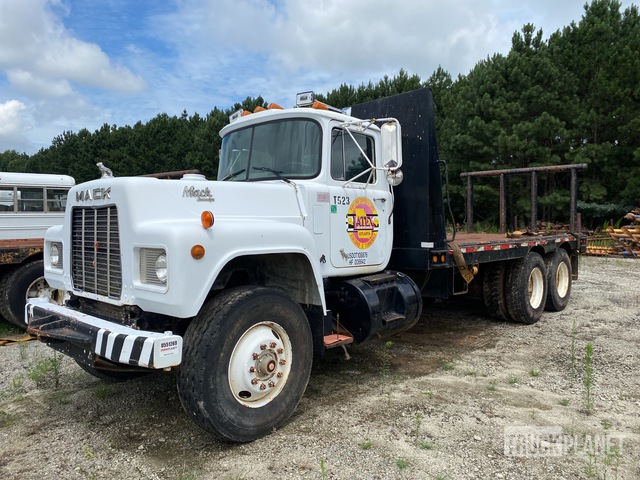 1986 Mack R686ST 6x4 T/A Flatbed Truck, Flatbed Truck