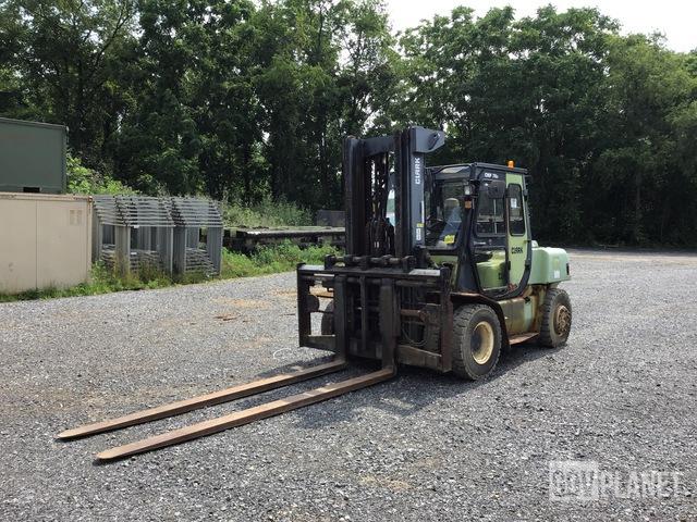 Clark CMP70D Pneumatic Tire Forklift, Forklift