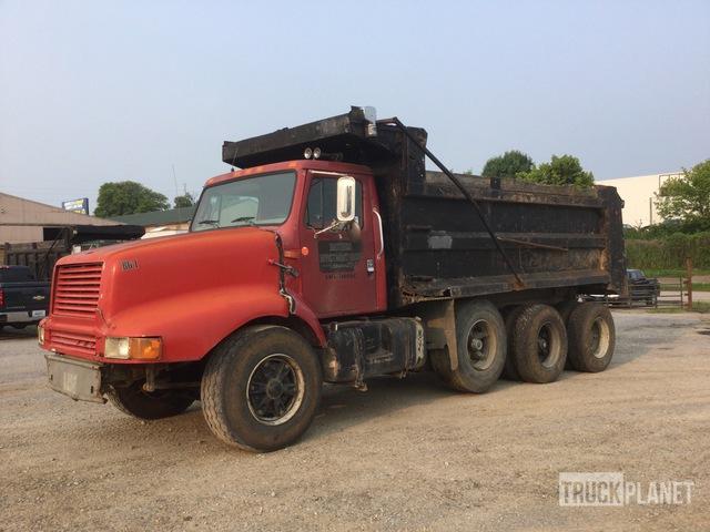 1999 International 2674 8x4 Tri/A Dump Truck, Dump Truck (Tri/A)