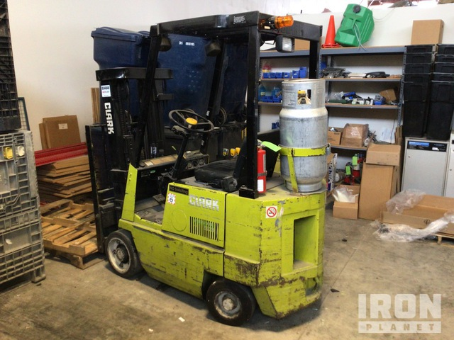 Clark GCS15 2750 lb Cushion Tire Forklift, Parts/Stationary Construction-Other